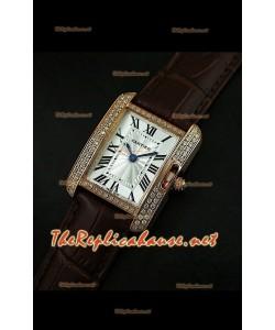Cartier Tank Française para damas malla bisel de diamantes estuche dorado.