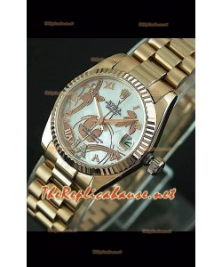 Reloj japonés Rolex Datejust para damas con estuche rosa dorado.