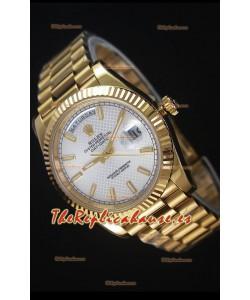 Rolex Day-Date 40MM Reloj Replica Dial en Plata con Numerales de Hora en Numeros Romanos Movimiento Suizo Cal.3255