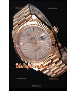 Rolex Day-Date 40MM Reloj Suizo en Oro Rosado y Dial texturizado en Oro Rosado con Numerales en Numeros Romanos